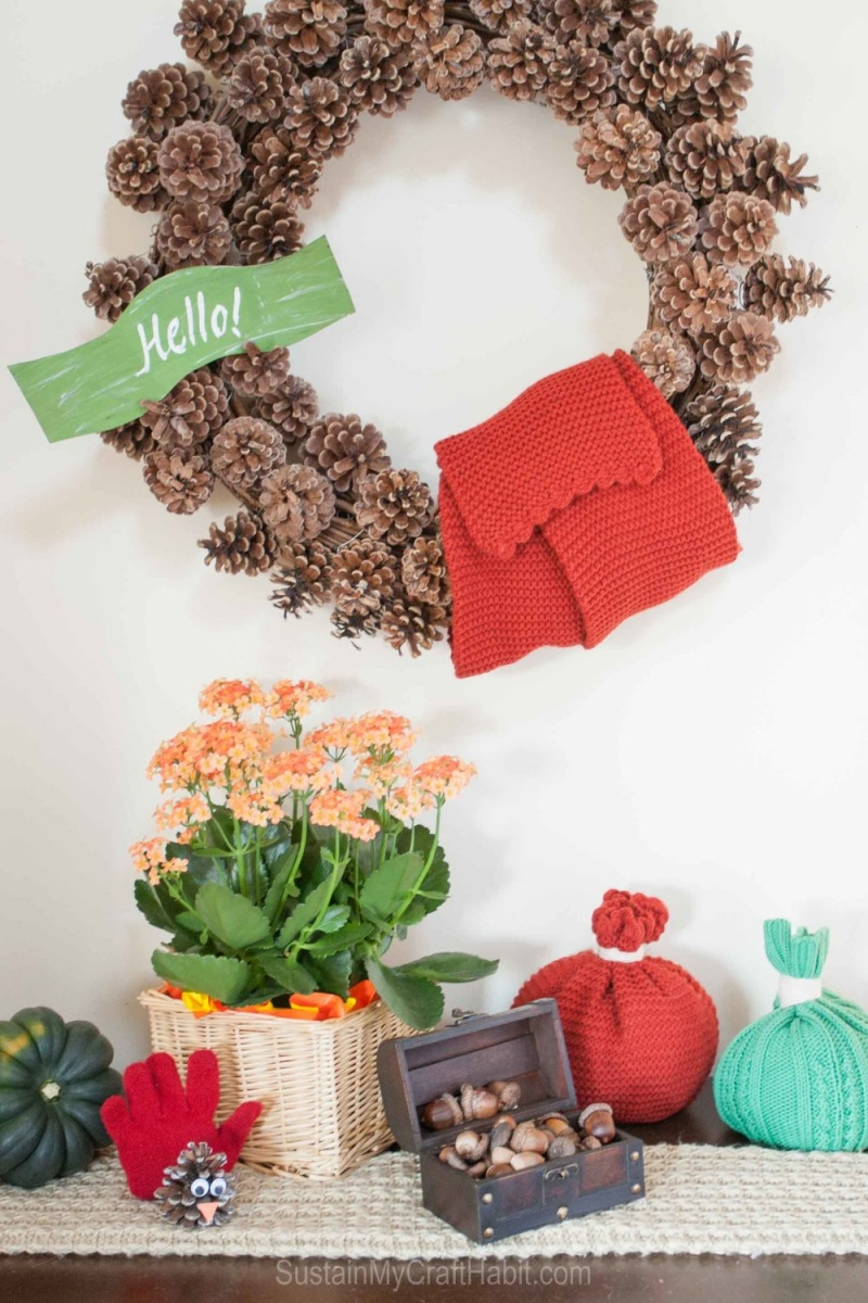 Picture Of 1 minute diy bold toque pumpkin for fall  2