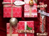 50 Christmas Gift Wrapping Ideas (via olderandwisor)