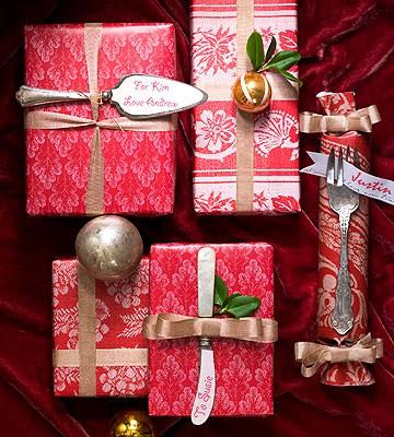 50 Christmas Gift Wrapping Ideas (via olderandwisor)