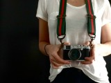 DIY Vintage Gucci Looking Camera Strap (via sketch42blog)