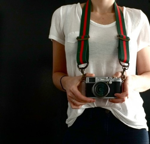 DIY Vintage Gucci Looking Camera Strap (via sketch42blog)