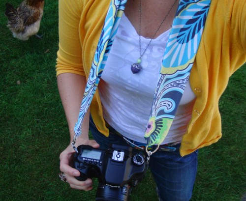 Handmade Custom Camera Strap (via mallorypaige)