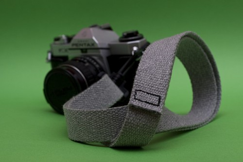 Simple Gray DIY Camera Strap (via flickr)