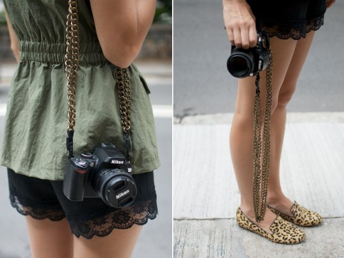 DIY Chain Camera Strap (via apair-andaspare)