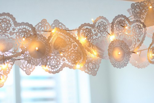 DIY Christmas Lights Dolly Garland (via flickr)