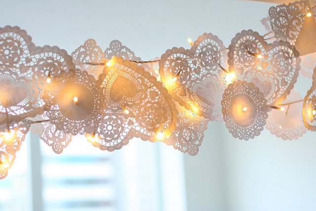 DIY Christmas Lights Dolly Garland