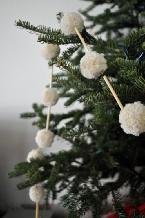 straw and pompom holiday garland tutorial via elsiemarley - Diy Christmas Garland Ideas