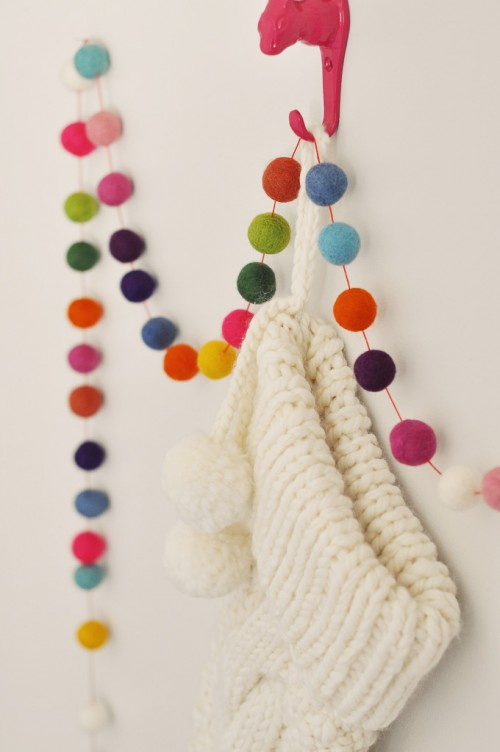 Handmade Felt Ball Garland for Christmas (via mysparkle)