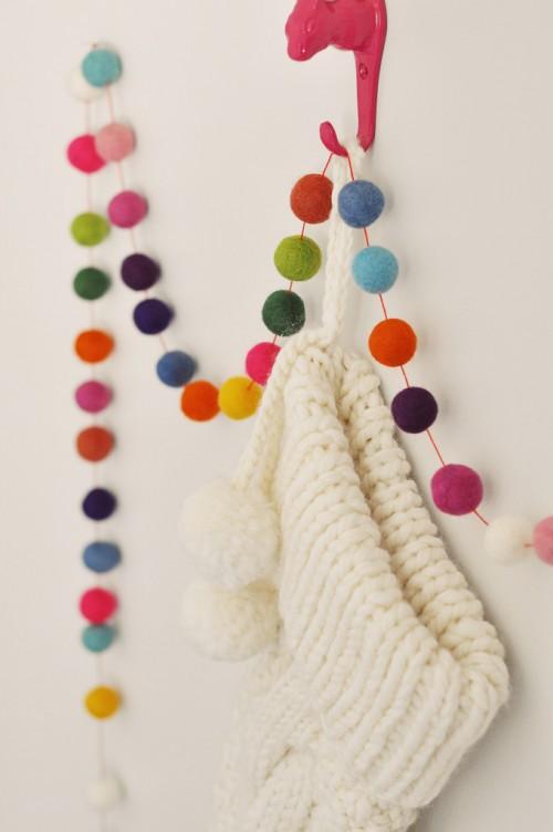 Christmas Ball Garlands.15 Cool Diy Christmas Garlands Shelterness