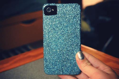 DIY Glitter iPhone Case (via desireandinspire)
