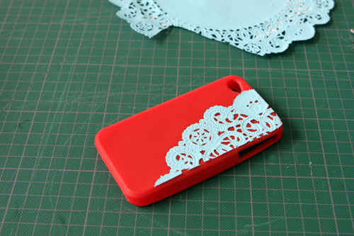 DIY Dolly iPhone Cases (via brit)