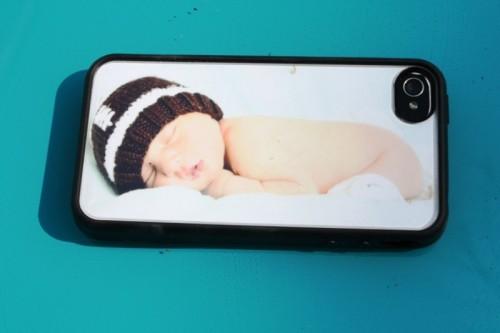 DIY Personalized iPhone Case (via didoodlings)