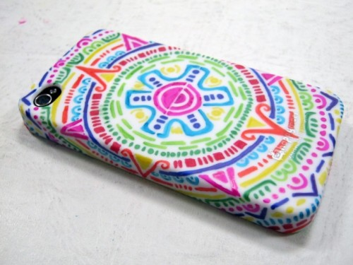 DIY Aztec Inspired iPhone Case (via collegelifediy)