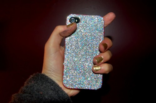 DIY Glitter iPhone Cover (via lookwhatmelissamade)