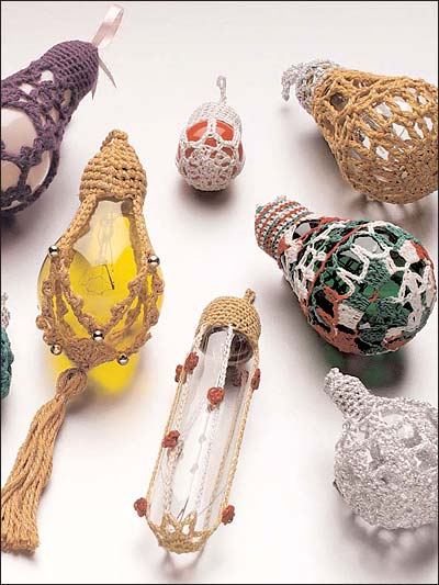 Wonderful DIY Lightbulb Ornaments Embellished With Crochet (via freepatterns)