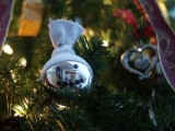 Shiny DIY Snowman Christmas Tree Ornament (via christmas)