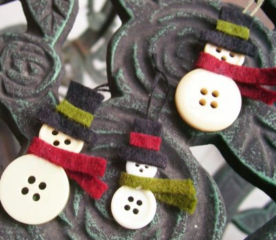 DIY Button Snowman Ornaments