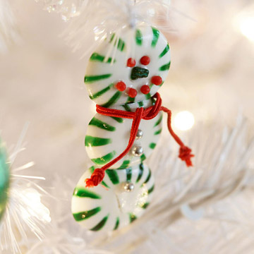Baked Peppermint Candy Snowman Ornament (via bhg)