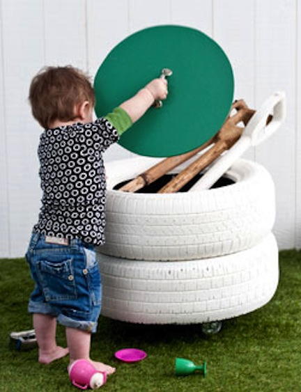 Clever recycling project that helps you to make your kids room more organized (via shelterness)