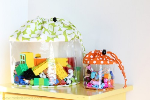 Perfect solution to organize all these little pieces like lego parts. (via shelterness)