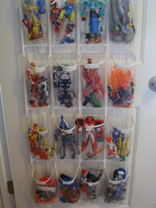 This is a very simple space saving solution that is perfect to organize all these little toy parts. Besides, it won't occupy any floor space.(via organizeyourstuffnow)