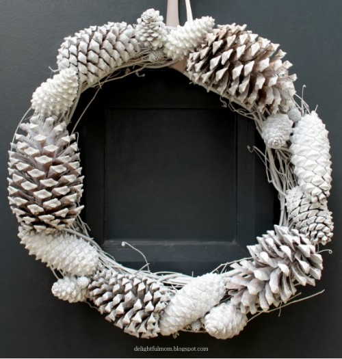 $10 DIY White Pinecones Wreath For Fall And Winter Decor