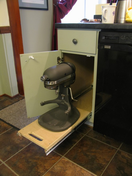 DIY Kitchen Cabinet For A MIxer (via shelterness)