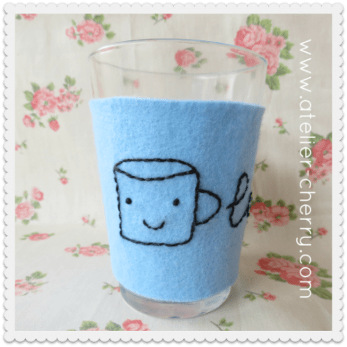 Funny DIY Cup Cozy (via atelier-cherry)
