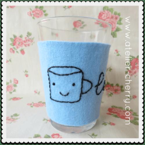 Funny DIY Cup Cozy (via atelier-cherry)
