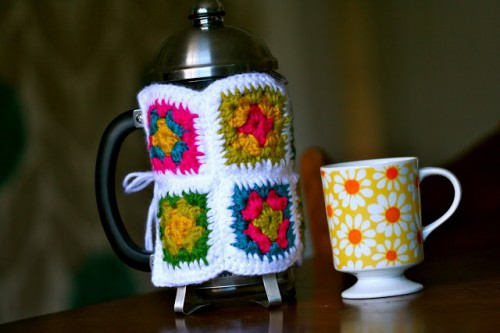 DIY Granny French Press Cozy (via rebekahgough)