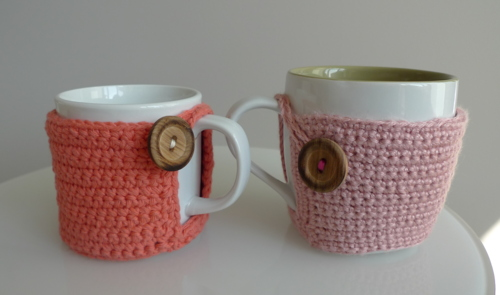 Cup Cozy Tutorial (via allaboutami)