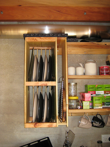 DIY Plate Storage And Drying Rack (via craftingahomestead)