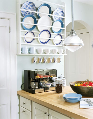 Vertical rack above the countertop (via shelterness)
