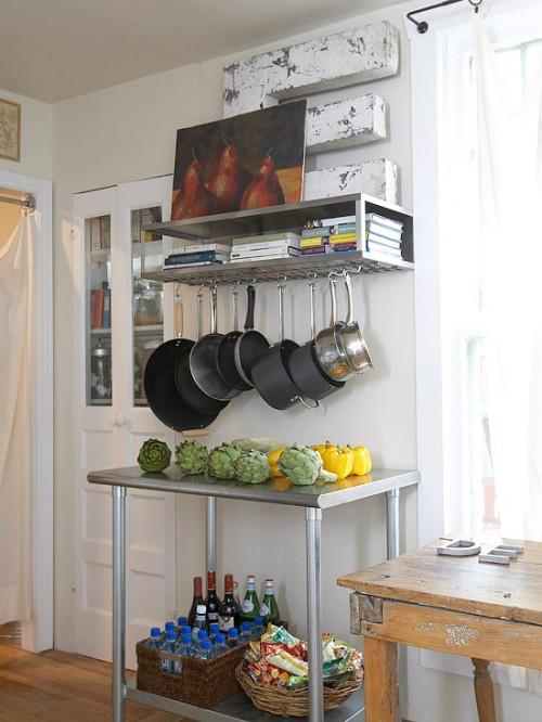 Modular rack with storage for a baker (via bhg)