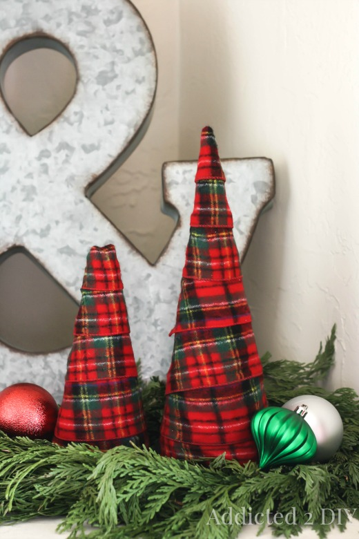 Flannel Christmas trees looks so cozy. Perfect for cold winter nights.