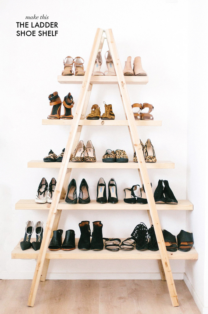 DIY ladder shoe shelf (via apairandasparediy)