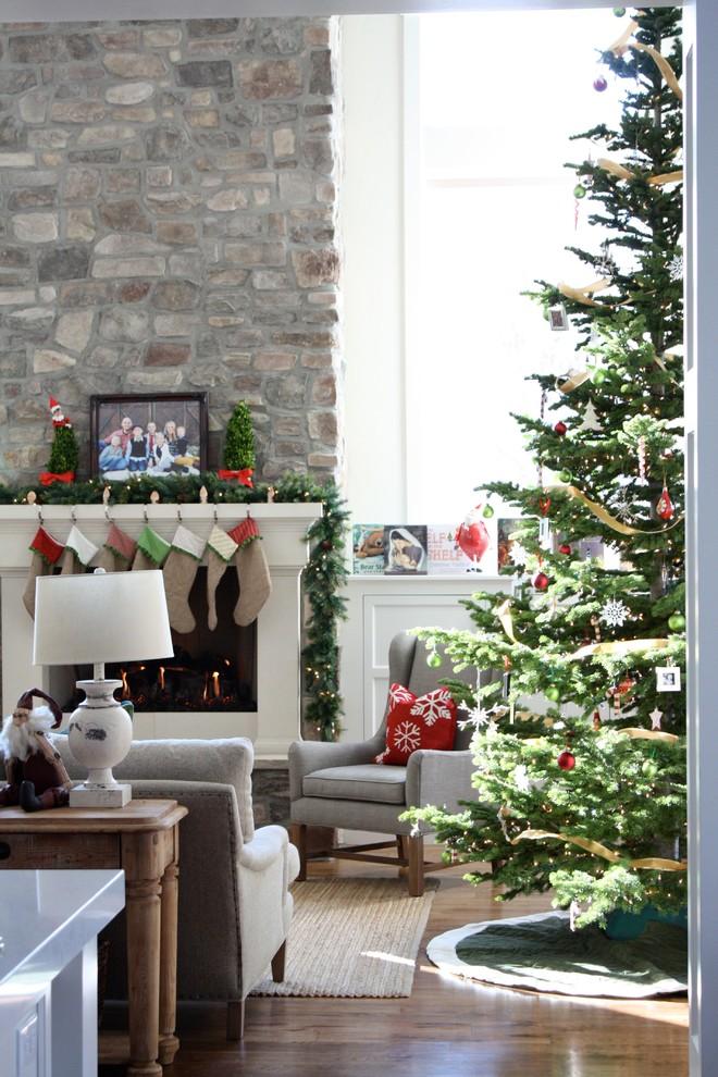 75 christmas stockings decorating ideas shelterness. Black Bedroom Furniture Sets. Home Design Ideas