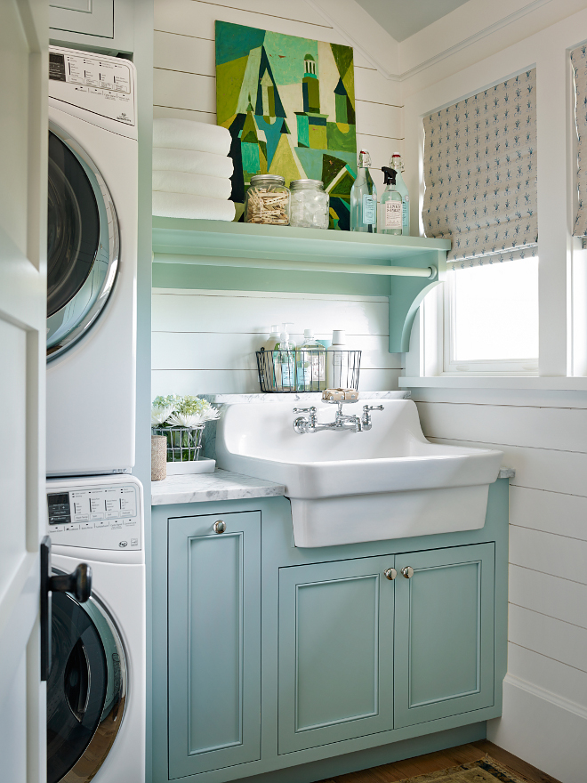 Cute Small Coastal Laundry Room Design