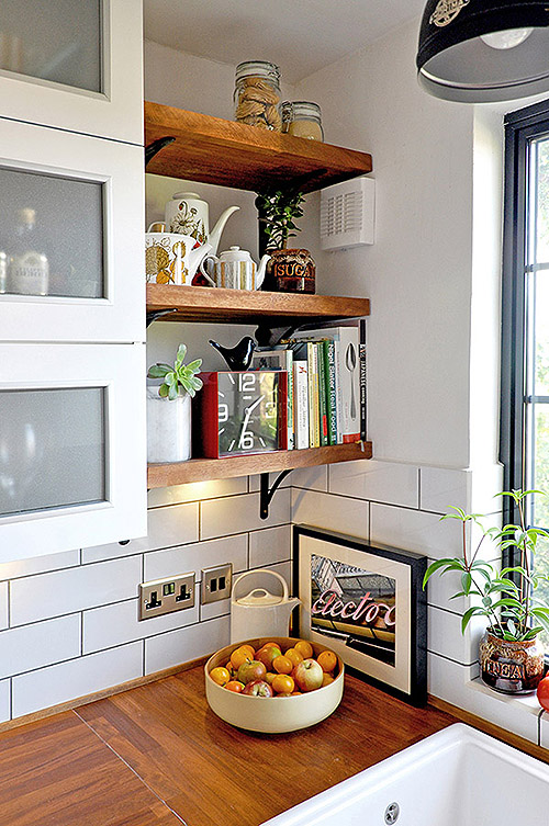 65 ideas of using open kitchen wall shelves shelterness. Black Bedroom Furniture Sets. Home Design Ideas
