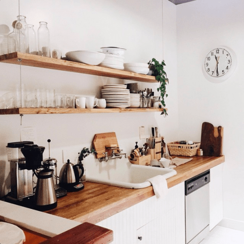 super simple yet quite stylish kitchen hanging shelves