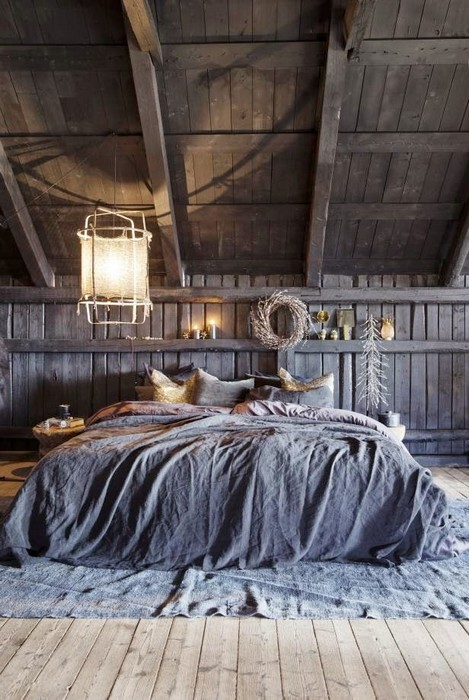 Gorgeous And Moody Attic Bedroom Decorated With Lots Of Rustic Elements