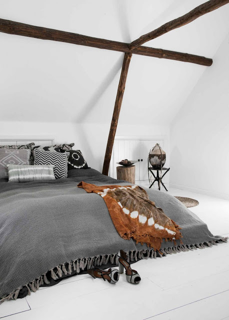 rustic bohemian attic bedrrom design