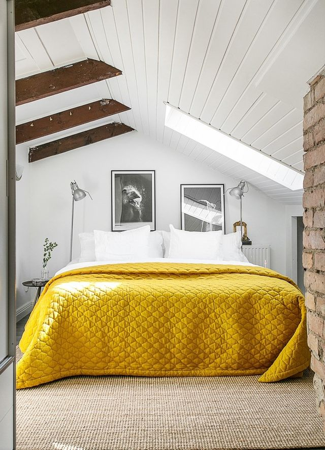 70 Cool Attic Bedroom Design Ideas - Shelterness