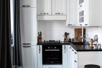 smart black and white kitchen design