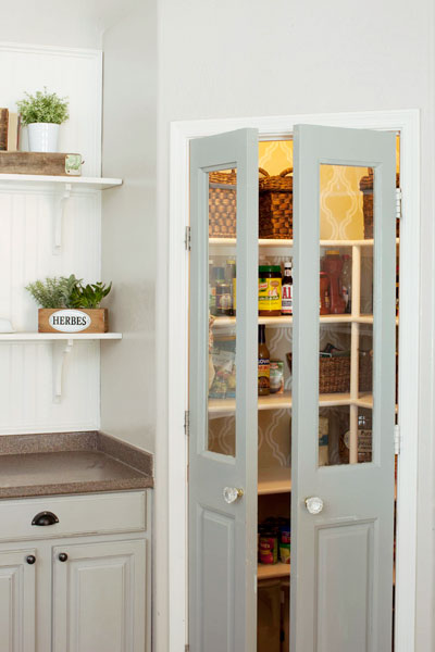 corner pantry is an interesting spce saving solution