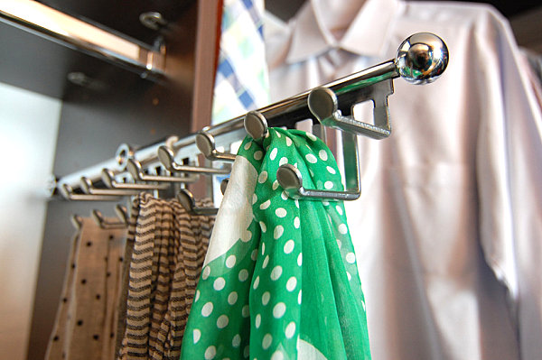 sliding scarf hanger is an awesome closet organizer