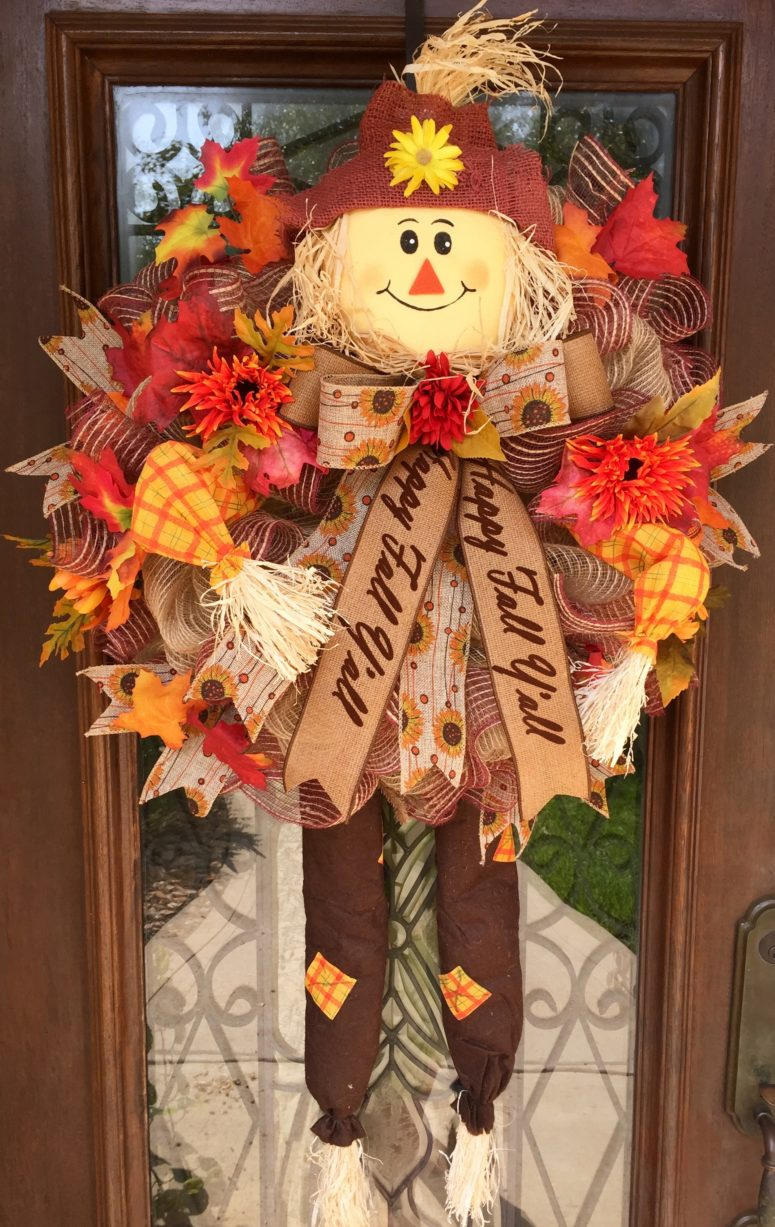 Scarecrow-inspired wreath is perfect for this lovely season.