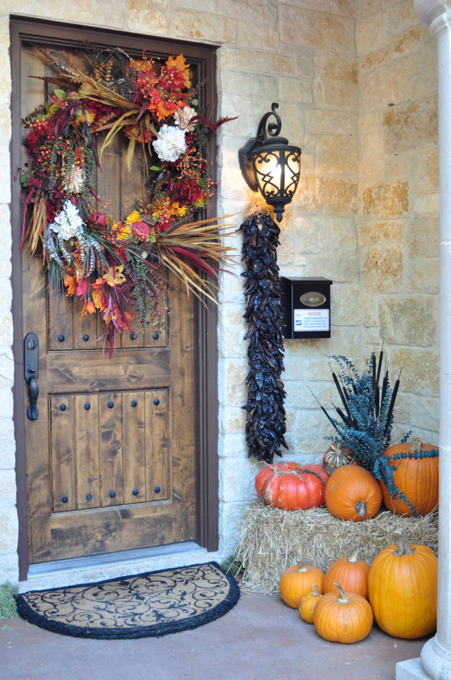 Mixing natural fall elements is the best way to make a wreath for this season.