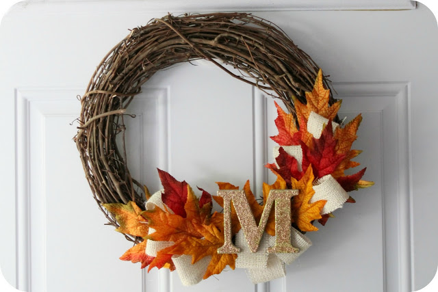 Super simple yet crafty fall monogrammed wreath idea.