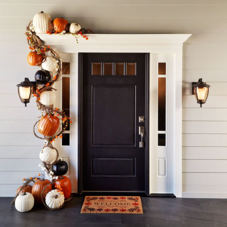 Wow your guests with a 3D pumpkin garland!
